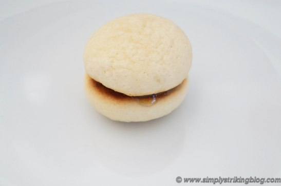peach cookies sandwiched
