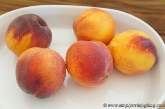 peaches raw